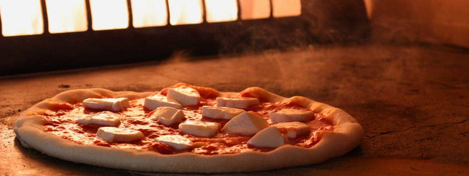04-pizza-in-the-oven-rise-pies